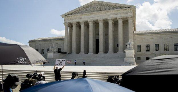 Tribunal supremo mantiene en su lugar la ley de la Florida que requieren los criminales para pagar los honorarios antes de la votación