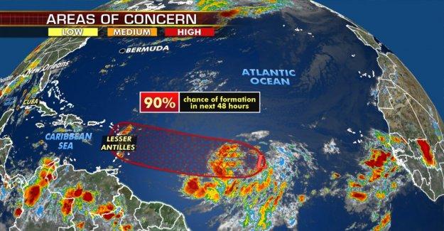 Trópico de mantenerse activo en el Atlántico, el disturbio se puede desarrollar en Isaías, estableciendo otro récord
