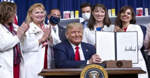 Trump actos para cortar los precios de los medicamentos recetados en NOSOTROS