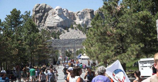 Trump celebración a gran escala de 4 de julio de eventos en el Monte Rushmore, a pesar de coronavirus riesgos