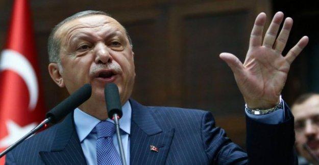 Turquía Diputados del voto para apretar el agarre en medios de comunicación social
