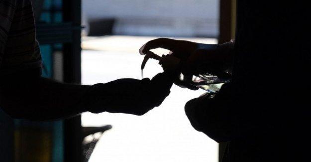 4 NOS muertes ligadas a metanol-desinfectantes de manos a base