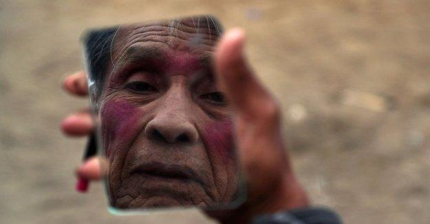 AP FOTOS: Payasos sufrir, adaptarse en el Perú debido a la pandemia