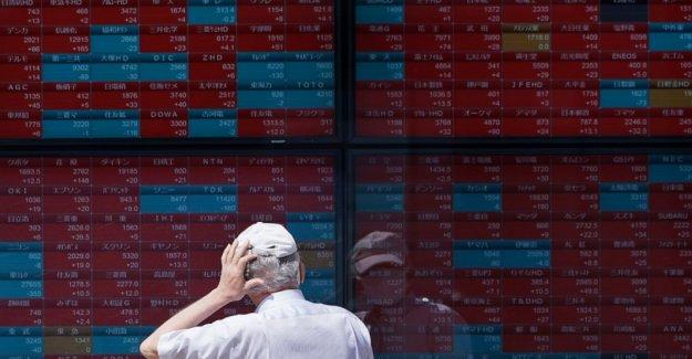 Acciones en su mayoría menor en Asia después de retiro en Wall Street