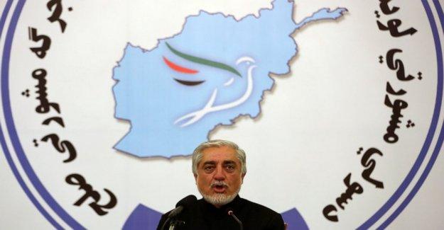 Afgano consejo libera a los Talibanes presos para establecer diálogos de paz