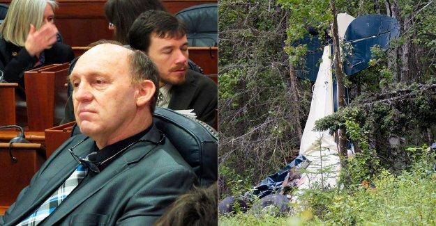 Alaska colisión en medio del aire mata partido REPUBLICANO del estado legislador, 6 otros