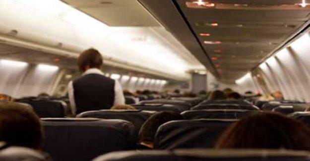 Austrian Airlines incendios asistente de vuelo que fue filmado coreando consignas Antisemitas