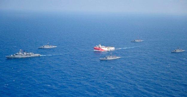Barco turco se inicia la búsqueda de energía en medio de empate con Grecia