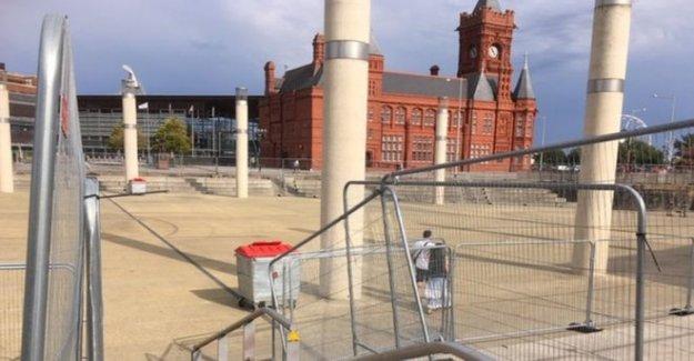 Barreras de seguridad en un intento de disuadir a beber multitudes