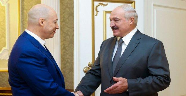 Belarús líder de 26 años, advierte contra la elección de las protestas