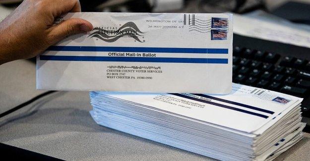 Biden campaña dice emitir su voto por correo es más seguro formulario de votación,' como Trump advierte de fraude
