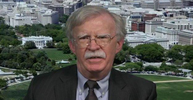 Bolton acusa a los Dems de la toma de juicio político 'oportunidad' y 'conducir en línea recta en una zanja con él'