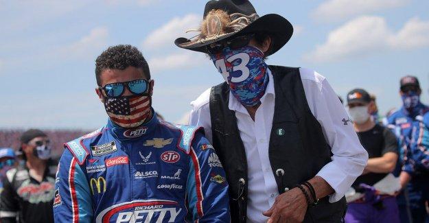 Bubba Wallace tiene ofertas de dos equipos de NASCAR para el 2021