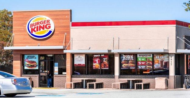 Burger King de pre-impresión mascarillas con comida rápida de los pedidos escritos en ellos