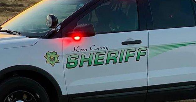 California, oficial, empleado de la prisión de entre 15 detenidos en online de sexo con menores de sting