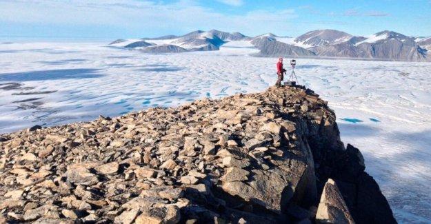 Canadá el pasado intacto de la plataforma de hielo se derrumba debido al calentamiento