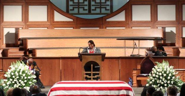Canal de Noticias Fox espectadores melodía para John Lewis' funeral
