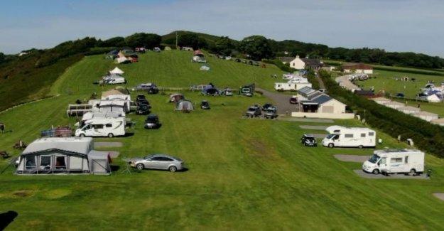 Caravana y sitios de campamento 'inundado' con llamadas