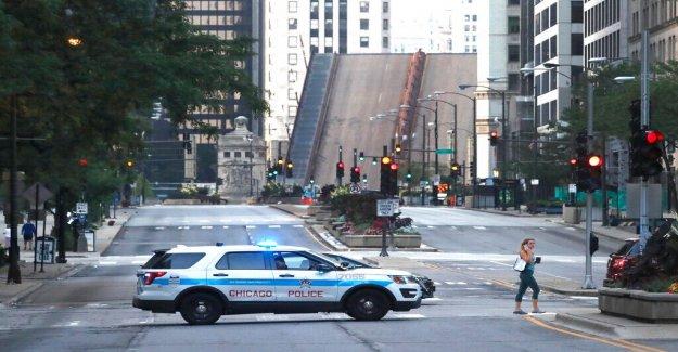 Chicago implementación de 1,000 extra oficiales durante el fin de semana para disuadir a los saqueos