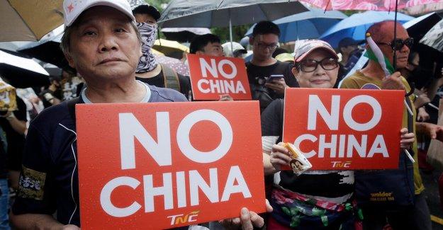 China condena a la decisión de enviar senior oficial a Taiwán