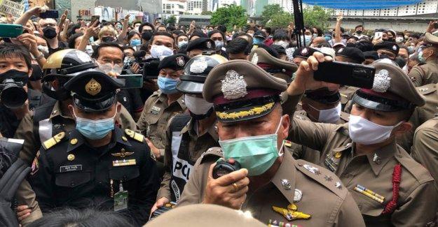 Cientos manifestación en contra de la detención de los líderes de la protesta