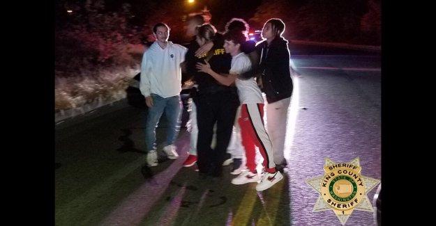 Cinco adolescentes honor por salvar la vida del Rey del Condado de diputado