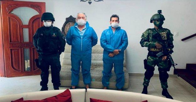 Colombia arrestos NOSOTROS los hombres acusados de la venta de falsos COVID cura