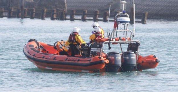 Cuerpo encontrado en el mar después de vaciar el barco descubierto