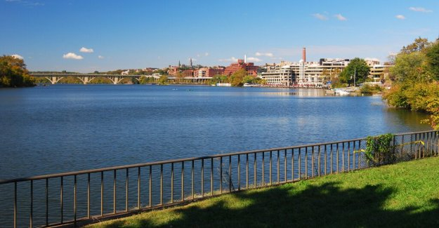 DC la policía tire de 3 cuerpos de Potomac, Anacostia Ríos