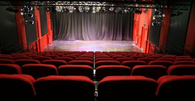 Derry teatro tiene plan único para llenar los asientos vacíos