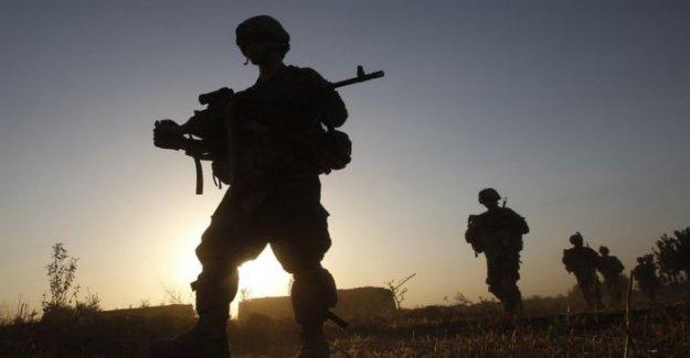 El Secretario de la defensa para revisar SAS Afganistán correos electrónicos