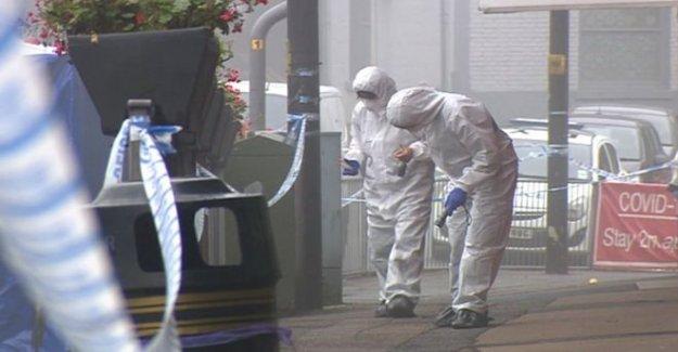El asesinato de la sonda como el hombre muere en pelea fuera de un pub