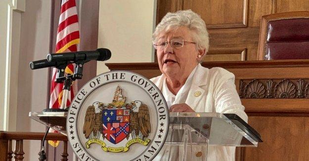 El gobernador de Alabama, jefe de personal de la cuarentena después de la exposición