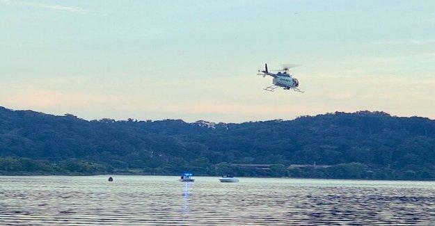 El helicóptero se estrella en el Río Tennessee; 3 escape, 1 se busca: informes
