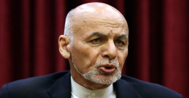 El presidente afgano: 400 Talibanes presos que permanecen en custodia