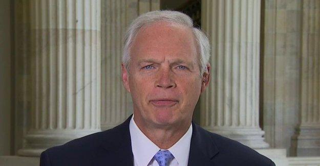 El senador Ron Johnson defiende Trump COVID ayuda ejecutivo de pedidos, reclamaciones Dems 'se va a jugar a la política
