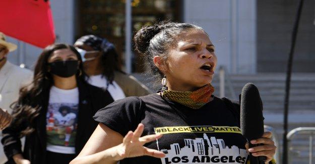 Engaño llamada al 911 envió agentes a la casa de Negro Vidas Importa LA líder de 'acabar' incidente'
