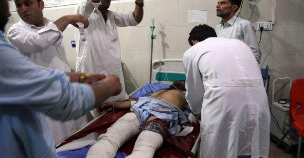 Estado islámico pistoleros, el suicidio de bombardero de ataque Afganos de la prisión