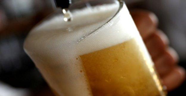Fábrica de cerveza sin darse cuenta de los nombres de la cerveza el vello púbico'