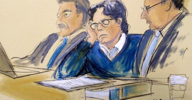 Fecha de la sentencia conjunto de NY de auto-ayuda del gurú en el sexo esclavo caso