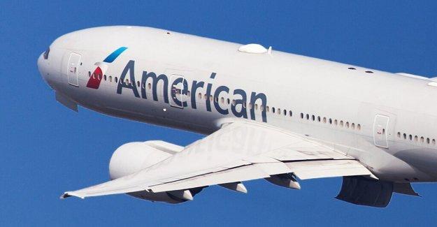 Florida mujer arrancó vuelo de American Airlines para llevar 'ofensivo' máscara
