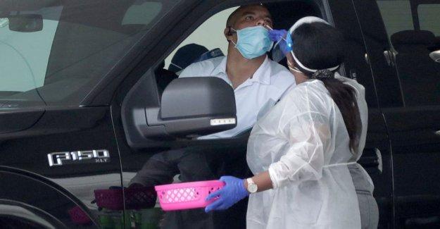 Florida tops 500K casos del virus ya que las pruebas se reanuda después de la tormenta