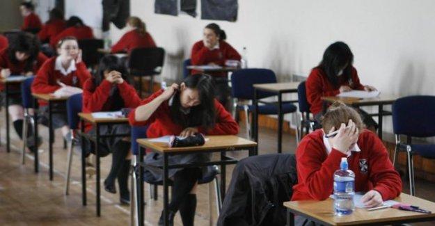 GCSE de estudiantes permitidos para colocar temas en 2021 exámenes