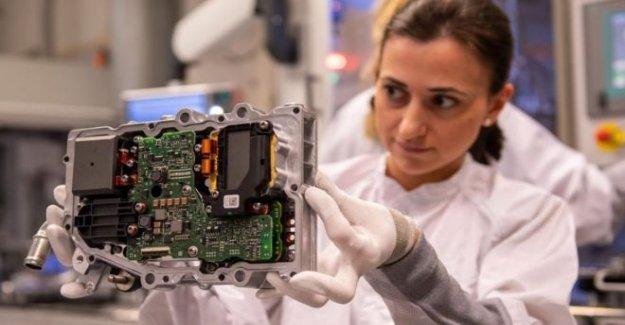 Gigantes de la tecnología NOS desafían trabajador extranjero represión