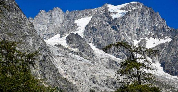 Glaciar alpino en Italia amenaza valle, las fuerzas de las evacuaciones