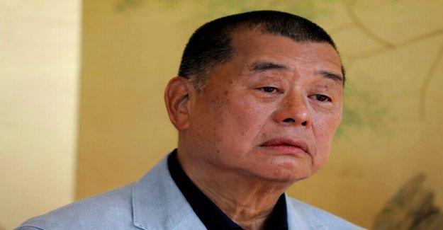 Hong Kong medios de comunicación, el magnate Jimmy Lai puesto en libertad bajo fianza, se insta a los manifestantes a ser 'cuidado'
