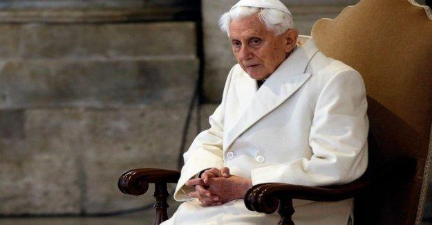 Informe: se Retiró el Papa Benedicto XVI enfermo después de la visita a Alemania