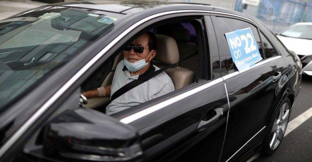 Juez de California órdenes de Uber y Lyft para clasificar a los conductores como a los empleados