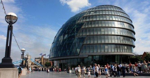 Khan engañoso más de HQ movilizar los ahorros, dicen los Tories
