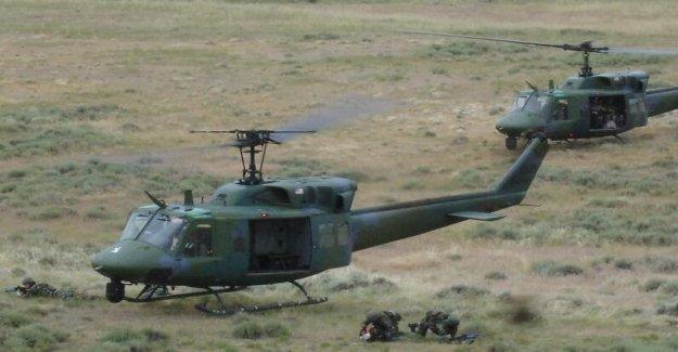 La Fuerza aérea de helicóptero impactado por bala hace un aterrizaje de emergencia en el estado de Virginia; el FBI investiga
